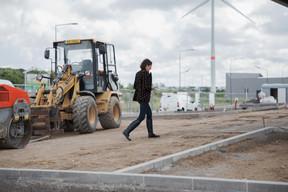 Visite de chantier: Cinq millions d'euros sont actuellement investis dans cette infrastructure de 2.000 m2. Elle sera opérationnelle à la mi-août et comportera aussi un petit magasin Cocottes. ((Photo: Romain Gamba))