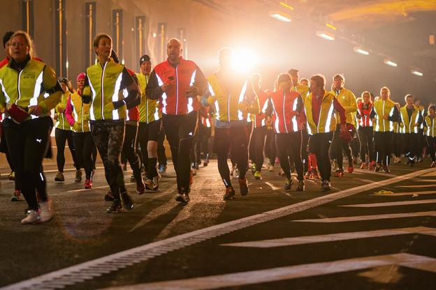 Les vestes fluo sont parfaitement adaptées à la course sur route de nuit. (Photo: Shutterstock)
