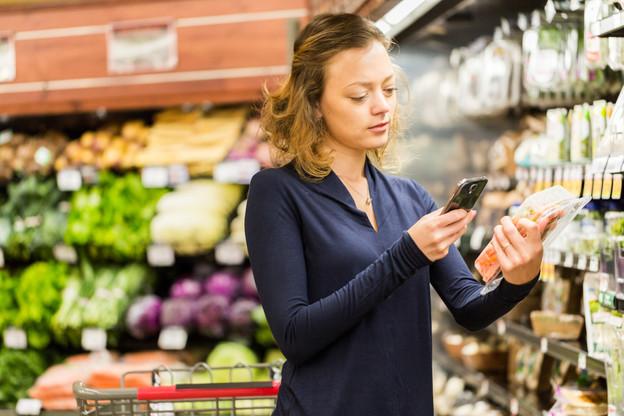 Face aux nouvelles exigences des consommateurs, la grande distribution a été obligée de commencer à revoir ses processus. La faute aux applications critiques de l'alimentation. (Photo: Shutterstock)