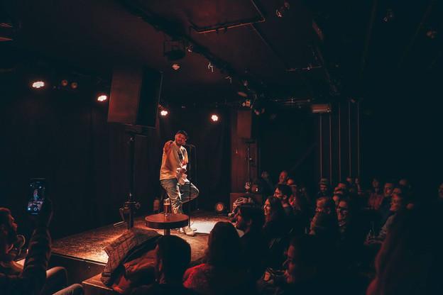 Sébastien Vécrin est à l'organisation et à la présentation du Nasty Comedy Club. (Photo: De Gudde Wëllen)