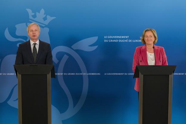 Dr Alain Schmit, coordinateur médical national, et Paulette Lenert, ministre de la Santé. (Photo: SIP / Emmanuel Claude)