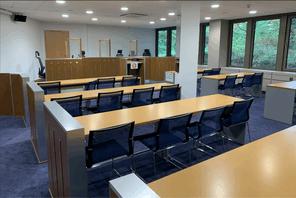 Le tribunal administratif doit apprécier si un cafetier peut être tenu pour responsable du comportement de ses clients comme prescrit par la loi Covid-19. (Photo: Paperjam)