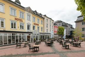 Dans le centre historique de Clervaux, les établissements Excellence repris par la famille Scholtès comprennent l'Hôtel Koener, l'Hotel International, le Clervaux Boutique & Design Hotel et leurs infrastructures communes. ((Photo: Romain Gamba/Maison Moderne))