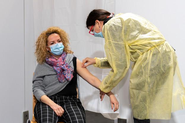 Catarina Fernandes, chef d'unité des maladies infectieuses au CHL, a été la première personne du pays à avoir été vaccinée. (Photo: SIP/ Emmanuel Claude)