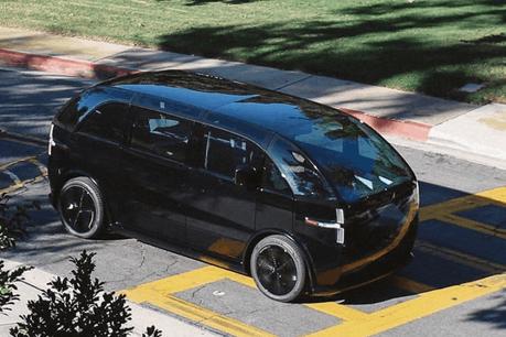 Révélée fin septembre et programmée pour 2021, «Canoo» roule déjà à Los Angeles, grâce au partenariat d'ArcelorMittal et de Hyundai. (Photo: Canoo)