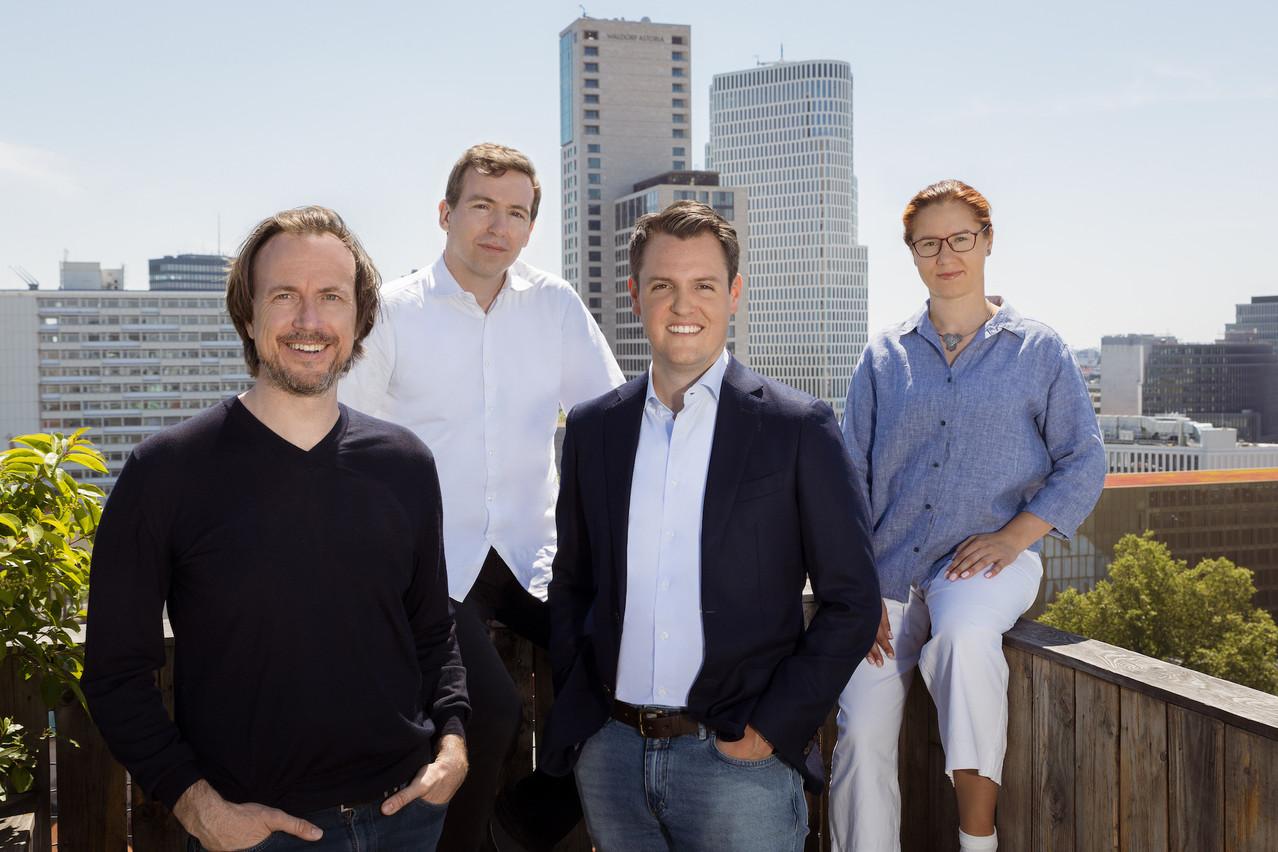 Le  C EO d'Element, C hristian  Macht  (à gauche) ,  avec  Eric  Schuh  (vice-CEO et directeur opérationnel) , Philipp  Hartz  (DRH) et Iryna Zhovtobryukh  (directrice technique), a levé 66millions d'euros depuis la création de l'insurtech berlinoise. (Photo: Element)