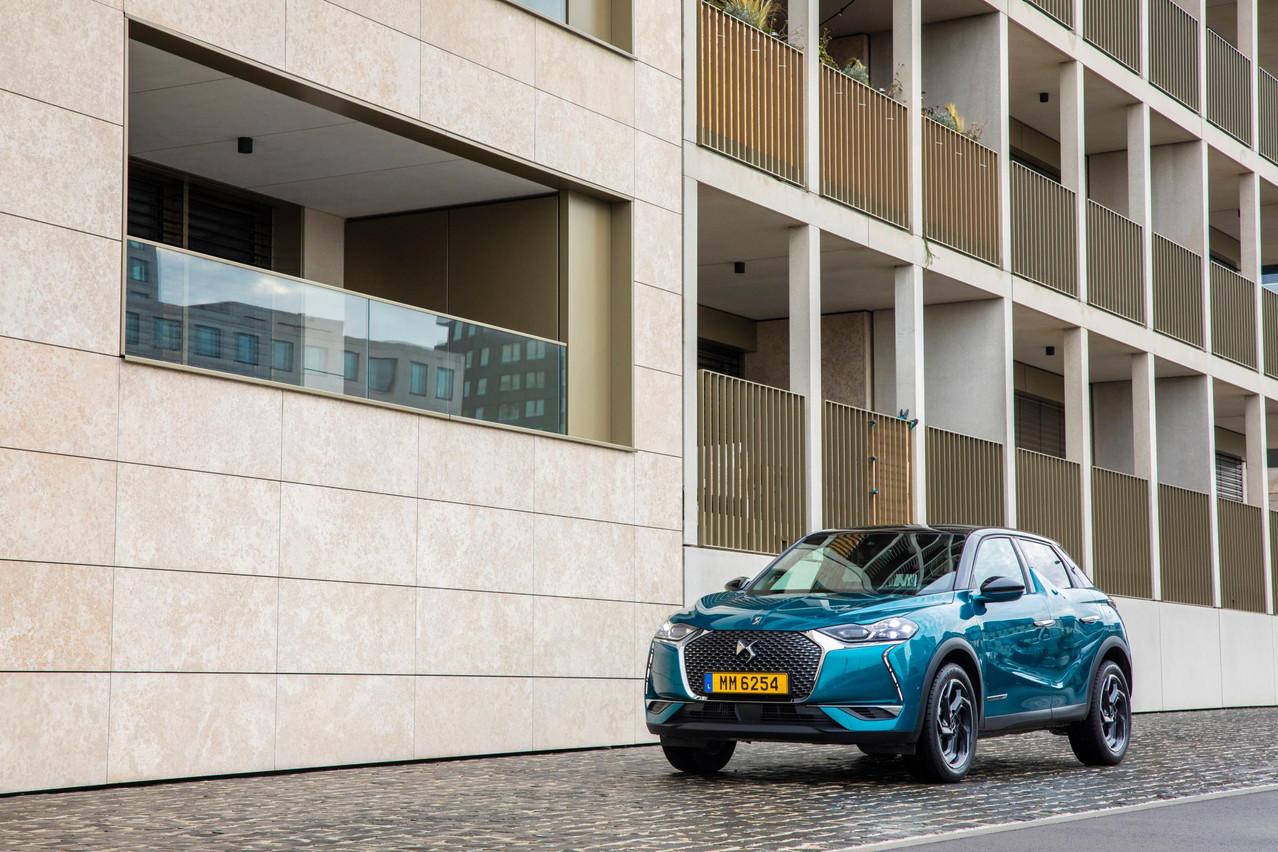 Ce petit DS3 Crossback est plutôt réussi si on aime les voitures dont le design, tant extérieur qu'intérieur, a de la personnalité.  (Photo: Jan Hanrion / Maison Moderne)