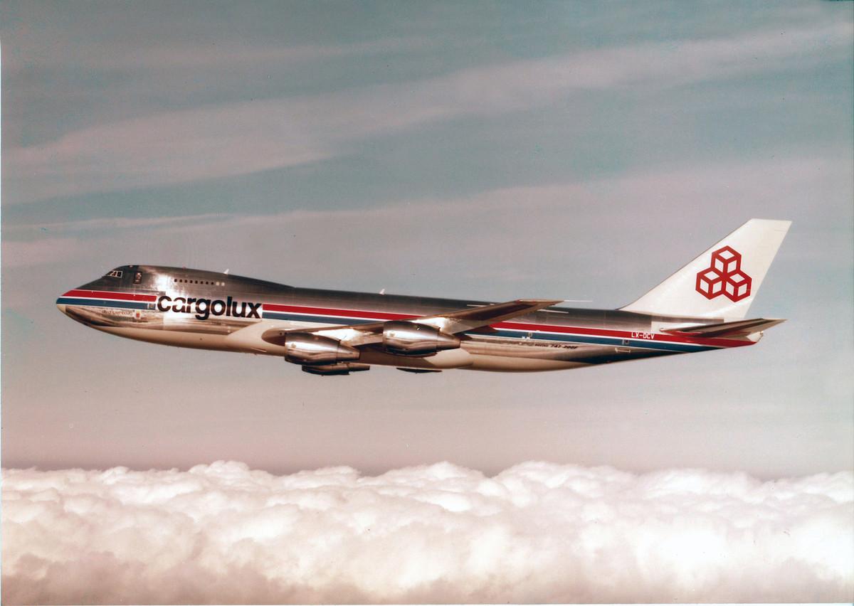 Le dernier DC-8 est vendu en 1984 et, en 1986, un troisième 747-200F (photo) rejoint la flotte. (Photo: Cargolux)