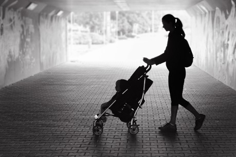 Parmi les premières victimes de la crise: les familles monoparentales. (Photo: Shutterstock)