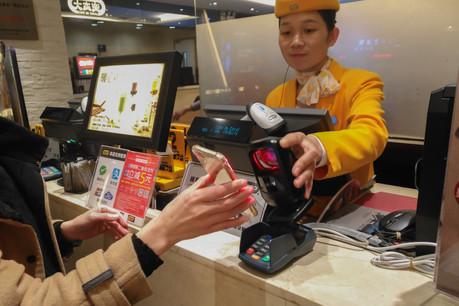 Les applicationsAlipay et WeChat Pay sont omniprésentes sur le marché chinois. (Photo: Shutterstock)