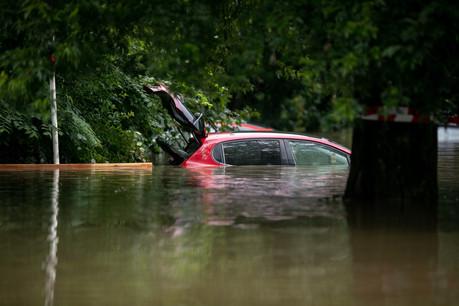 Selon les derniers chiffres de l'Association des compagnies d'assurances (ACA), 1.000 véhicules sont définitivement hors d'usage. (Photo: Matic Zorman/Maison Moderne)