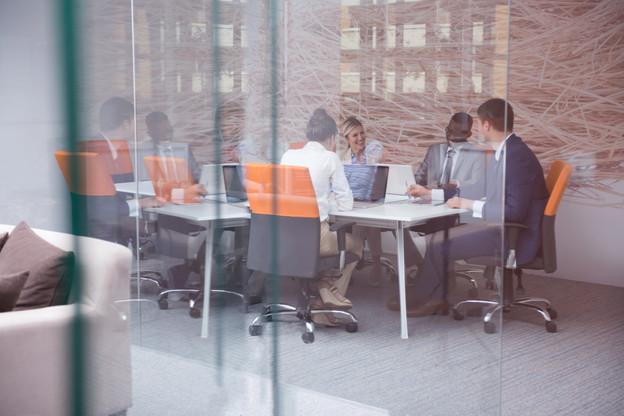 La situation des «faux cadres» du secteur bancaire est revenue sur la table des négociations de la CCT pour la période 2021-2023. (Photo: Shutterstock)