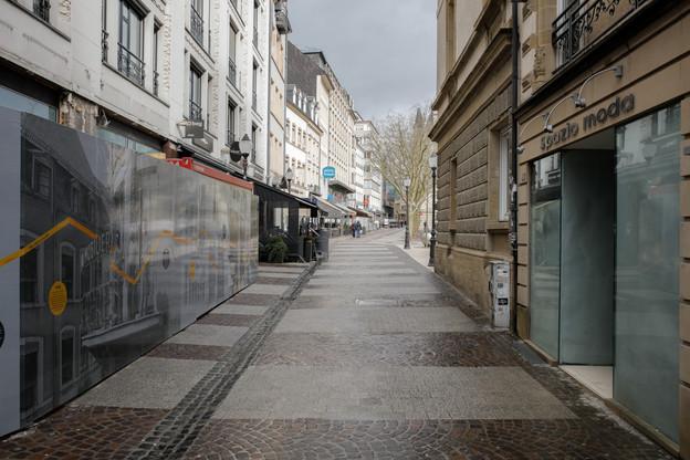 Rues désertes attendent la réouverture des magasins. Ce sera le 11 mai, une bonne nouvelle pour la CLC. (Photo: Romain Gamba / Maison Moderne)
