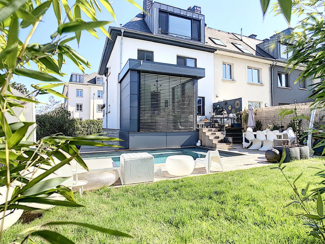 Le supplément luxe vaut 145.000 euros. Sans compter la piscine et sa terrasse, à 100.000 euros. (Photo: New Immo)
