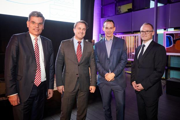 Dr. Gabriël Clemens (VSE), Xavier Bettel (Premier Ministre), Prof. Michael Backes (Cispa) et Georges Muller (Cegecom) (Photo: Eric Devillet)