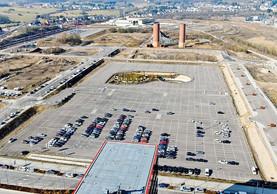 Photo d'archive de la place des Bassins avec l'aménagement du parking provisoire. ((Photo: Agora))