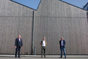 MarcAnt,Jean-ClaudeWauters et MarcHerckes se félicitent d'un bâtiment montrant de quoi sont capables les entreprises artisanales luxembourgeoises. ((Photo: Matic Zorman/Maison Moderne))