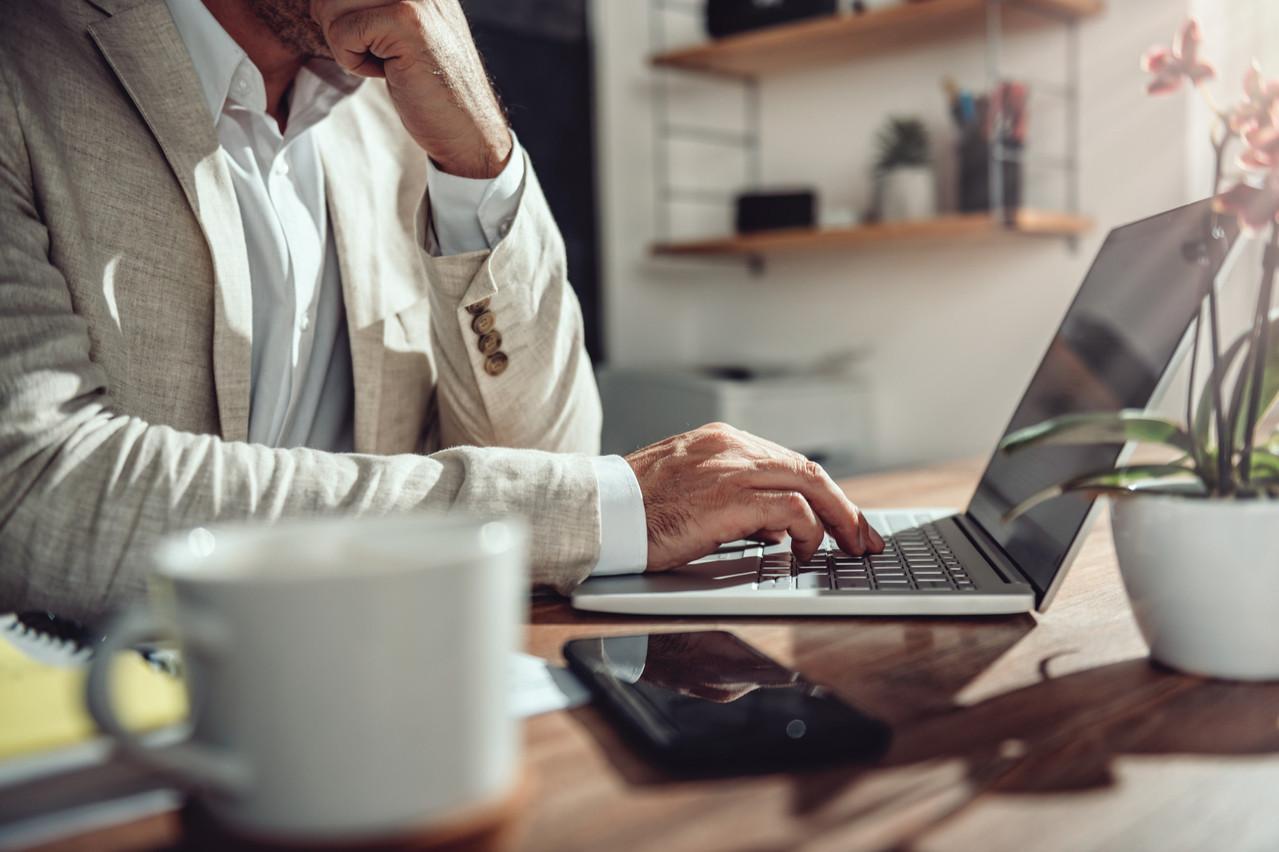Les gérants, administrateurs, cadres étrangers et indépendants ne peuvent bénéficier du gel du nombre de jours de télétravail. Le fisc belge s'était jusque là bien gardé de le dire. (Photo: Shutterstock)