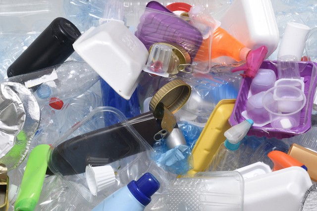 Le plastique se recycle bien, mais ce n'est pas toujours le cas des produits de substitution. (Photo: Shutterstock)