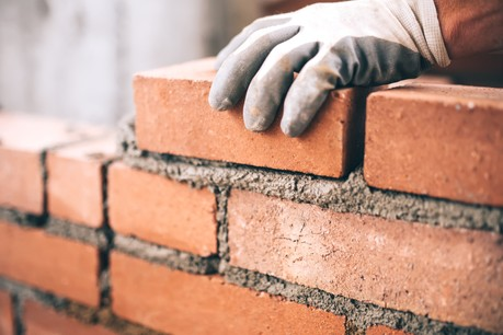 Privées de matériaux, certaines entreprises devront recourir au chômage partiel en mai et en juin. (Photo: Shutterstock)