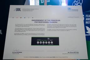 Signature de l'adhésion aux principes pour un système bancaire responsable ((Photo: Matic Zorman))