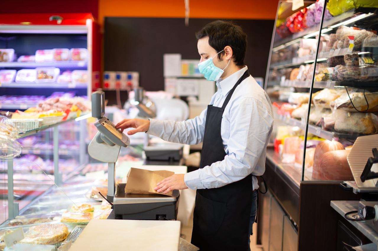 Pour la Chambre de commerce, le plafond des aides dans les secteurs sensibles doit être supprimé, au profit d'une grille d'évaluation des pertes de chiffre d'affaires. (Photo: Shutterstock)