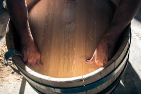La Tonnellerie de Champagne se porte garante de la transmission d'un savoir-faire séculaire. ((Photo: Michaël Boudot/Terre de Vins))