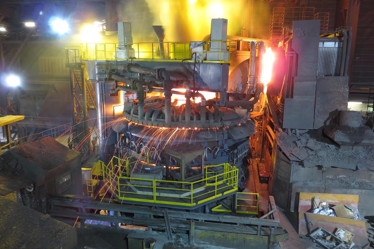 Le passage au four électrique a déjà permis de réduire la consommation d'électricité chez ArcelorMittal, qui reste malgré tout le plus grand consommateur du pays.               (Photo: Arcelor Mittal)