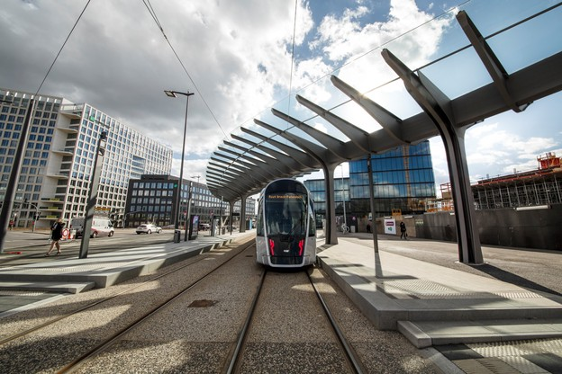 À terme, le tram reliera l'aéroport à la Cloche d'or. (Photo: Maison Moderne Publishing SA/Archives)