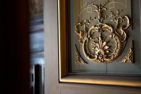 Détails d'une des portes du rez-de-chaussée. ((Photo: Jan Hanrion/Patricia Pitsch – archives Maison Moderne))