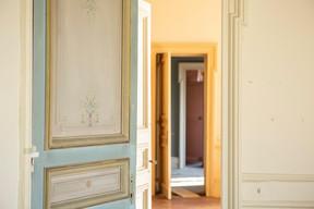 À l'étage, la décoration se fait plus discrète, mais a été également préservée. ((Photo: Jan Hanrion/Patricia Pitsch – archives Maison Moderne))