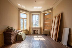 Une des chambres du premier étage. ((Photo: Jan Hanrion/Patricia Pitsch – archives Maison Moderne))
