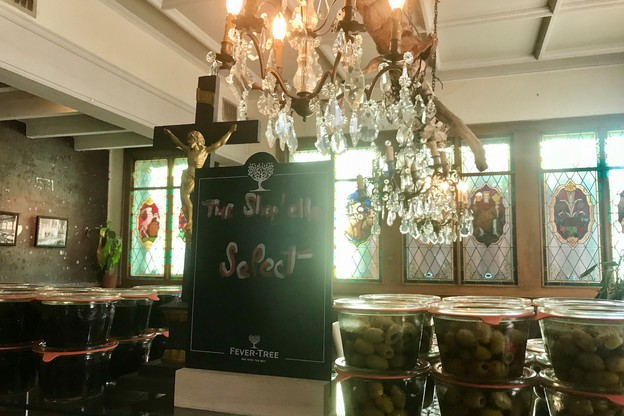 Pour régaler ses clients, The Shop'elle propose des bocaux et des petits plats concoctés dans les cuisines de La Chapelle, sur place. (Photo: Maison Moderne)