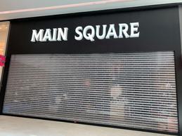 L'enseigne Main Square située au Cloche d'Or Shopping Center est aussi touchée par cette faillite. ((Photo: Maison Moderne))