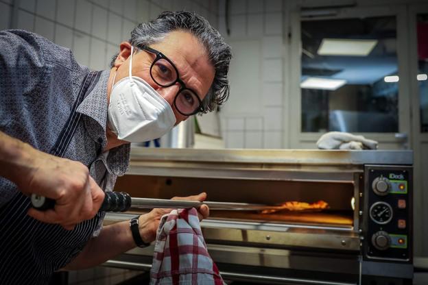 En cette période trouble, le chef Favaro a eu envie de simplicité et de se remettre à son four à pizza pour créer une nouvelle offre pertinente et gourmande. (Photo:  Mickael Williquet )
