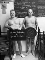 Cyrille Schneider et Gino, de la Trattoria da Gino à la Gare. ((Photo: Je suis restaurateur et je suis à poil))