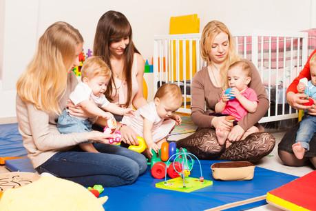 Le taux d'emploi des jeunes mamans a augmenté de 4 à 7%, notamment grâce au chèque-service. (Photo: Shutterstock)