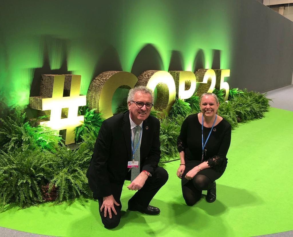 Pierre Gramegna avec Carole Dieschbourg,ministre de l'Environnement, du Climat et du Développement durable (Déi Gréng), lors de la COP25 à Madrid, en décembre 2019. (Photo: SIP)