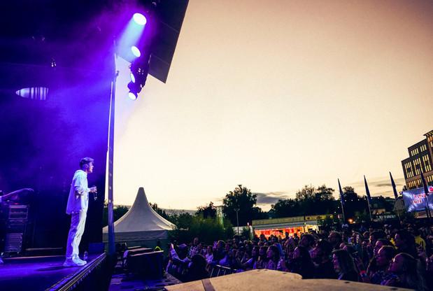 Loïc Nottet s'est produit devant 300 à 400 personnes au Glacis, le 9 août, dans le cadre de City Sounds. (Photo: VDL/Tom Jungbluth)