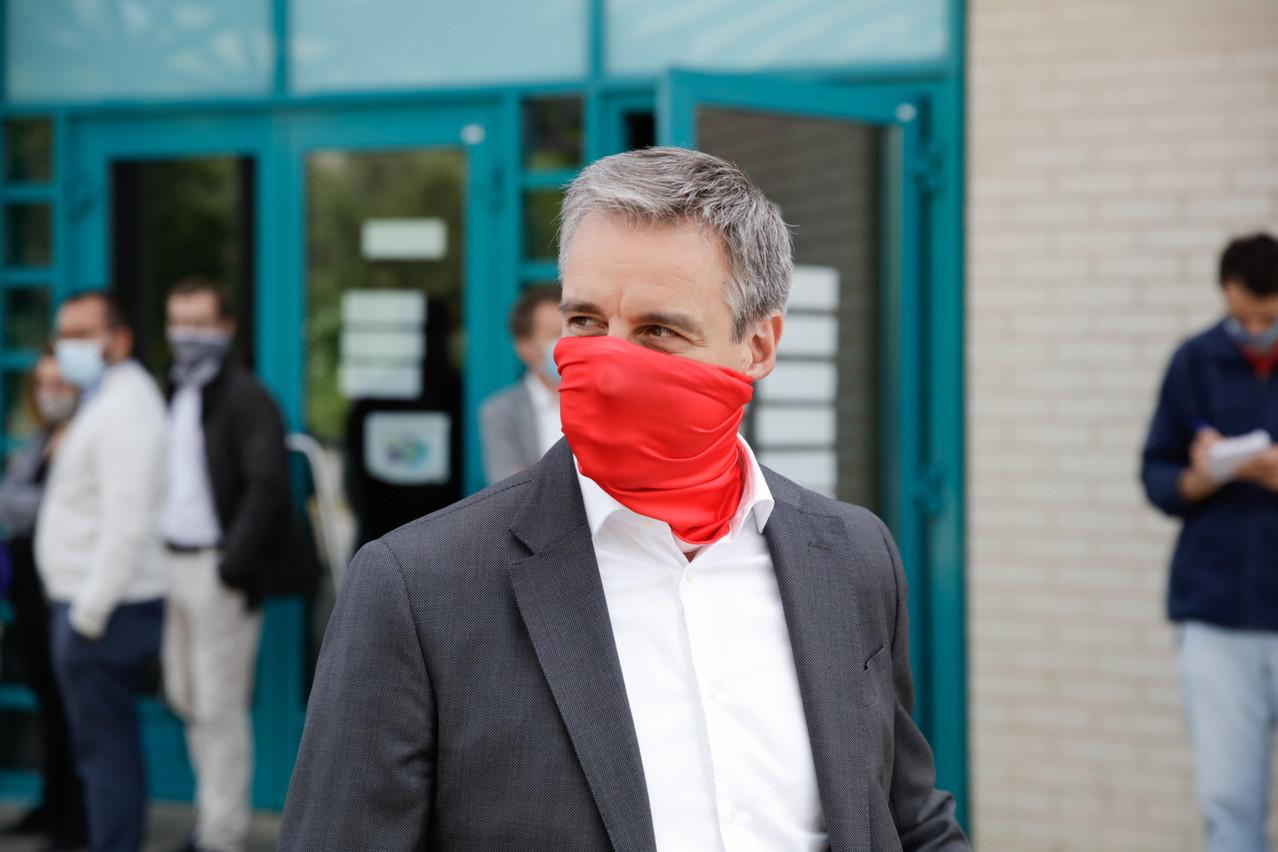 Le port du masque dans les écoles sera, dès vendredi, inscrit dans la loi Covid. Mais d'autres mesures en lien avec le milieu scolaire ne le seront pas. (Photo: Romain Gamba/archives Maison Moderne)