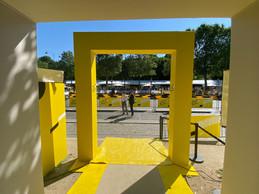 L'image que voit le maillot jaune quand il va aller sur le podium. À cet instant, la course n'est pas encore entrée dans Paris, et le podium n'est pas encore installé. ((Photo: Maison Moderne))