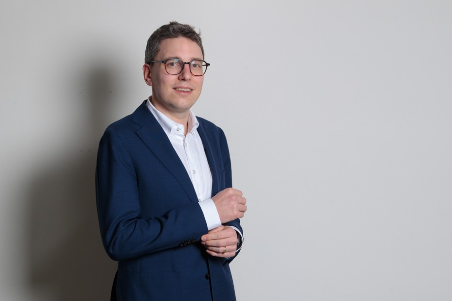 """""""EU nationals already have an immediate right to vote in European elections, but not in local elections, even though this concerns them much more,"""" argues the Pirate Party MP Sven Clement. """"They have to wait five years. The idea is to remove this condition."""" Matic Zorman/Maison Moderne"""