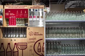 Les bouteilles sont consignées et les clients peuvent se servir huile, vinaigre, produits ménagers... ((Photo: Nader Ghavami))