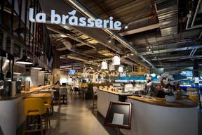 La brasserie est une des grandes innovations de cet hypermarché. ((Photo: Nader Ghavami))