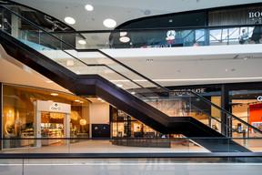 Les boutiques sont visibles de loin et depuis les différents étages. ((Photo: Nader Ghavami))