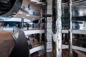 Le miroir est un fil conducteur de l'aménagement intérieur. ((Photo: Nader Ghavami))