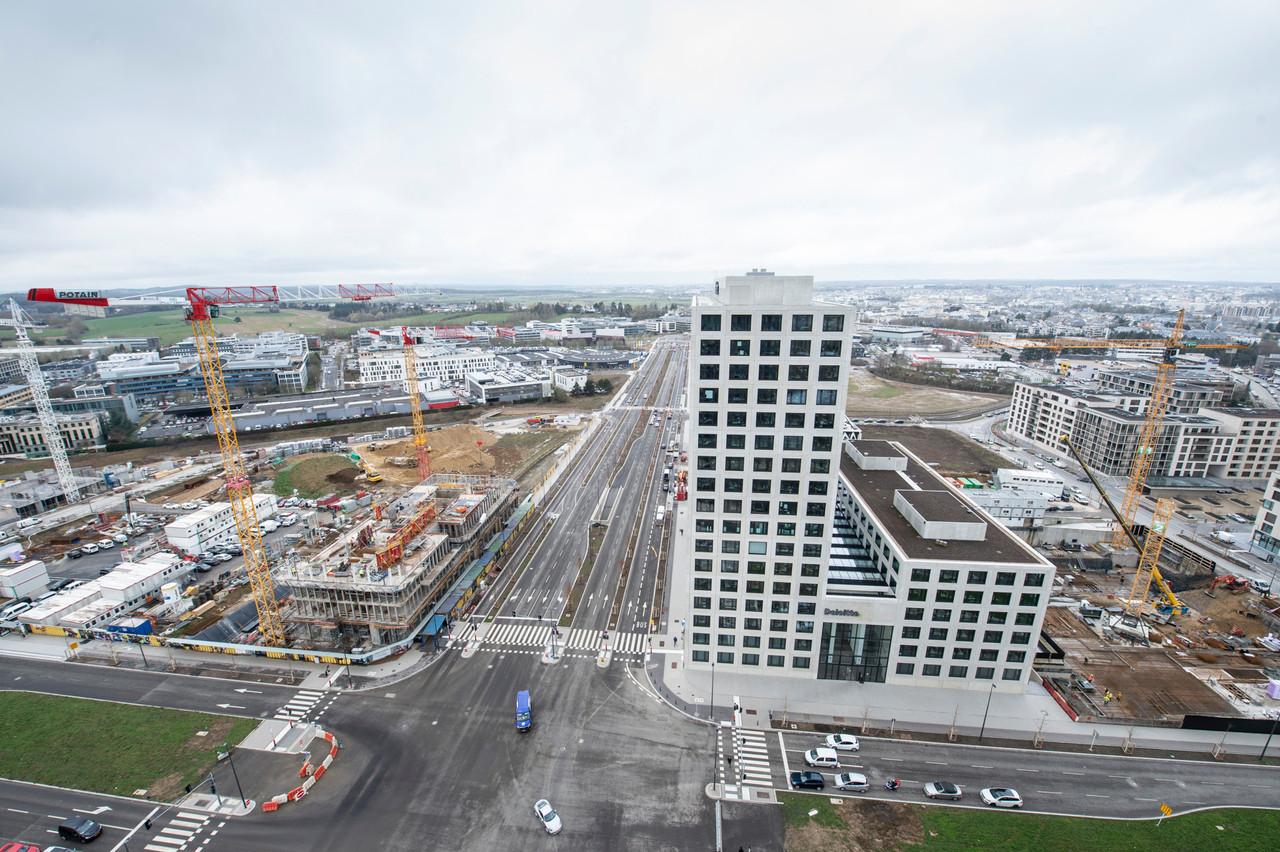 L'évolution du quartier Cloche d'Or de 2012 à 2020 et au-delà. (Photo: Anthony Dehez)