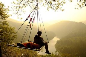 Sur votre portaledge, vous vivrez une nuit qui risque de rester longtemps dans votre mémoire. ((Photo: cloefhaenger.com))