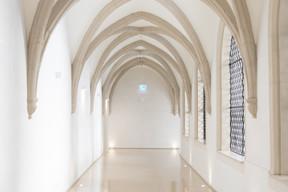 Vue intérieure du cloître. ((Photo: Matic Zorman/Maison Moderne))