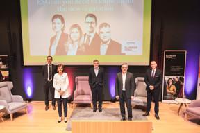 Olivier Carré (PwC Luxembourg), Julie Becker (Société de la bourse de Luxembourg), Claude Marx (CSSF), Gast Junker (Elvinger Hoss Prussen) et Jim Kent (Maison Moderne) ((Photo: Simon Verjus/Maison Moderne))